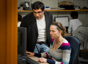 Associate Professor Nitesh Chawla works with a student