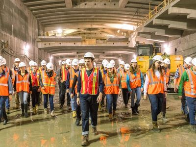 Junior Civil & Environmental Engineering Students Take Behind-the-Scenes Tour of New York City